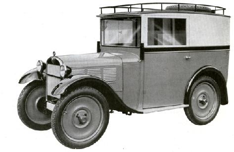 Eil-Lieferwagen. Die geteilte Windschutzscheibe wie beim Phaethon und Sportzweisitzer, das Oberteil kann zur Belüftung ausgestellt werden. Seitliche Schiebefenster.