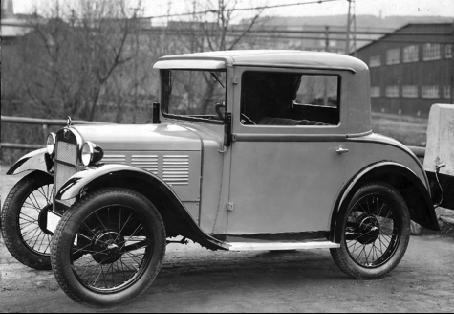 Die technischen Parameter blieben weitgehend gleich. Die Modellpalette wurde reduziert, man produzierte nur noch den Tourer, den Sportzweisitzer, das Coupe und Limousinen.